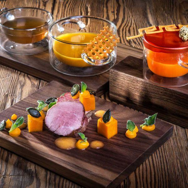 Gourmetküche_haubenrestaurants_südtirol_kuearbis_trilogie_mit_vinschger_kalb_filet_nachhaltige_hotels_gourmethotel_Südtirol