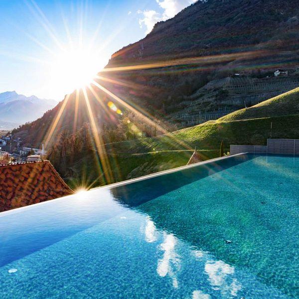 Sky_infinity_sportpool_infinitypool_5_sterne_luxushotel_südtirol_skypool_hote_südtirol_mit_vielen_pools_hotel_für_feinschmecker_südtirol_beste_wellnesshotels_südtirol_medical_spa_hotel_südtirol_beauty_hotel_Südtirol