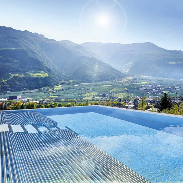 infinity_solepool_5_sterne_luxushotel_südtirol_skypool_hote_südtirol_mit_vielen_pools_hotel_für_feinschmecker_südtirol_beste_wellnesshotels_südtirol_medical_spa_hotel_südtirol_beauty_hotel_Südtirol