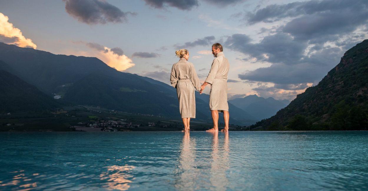 Paar beim romantischen Bad