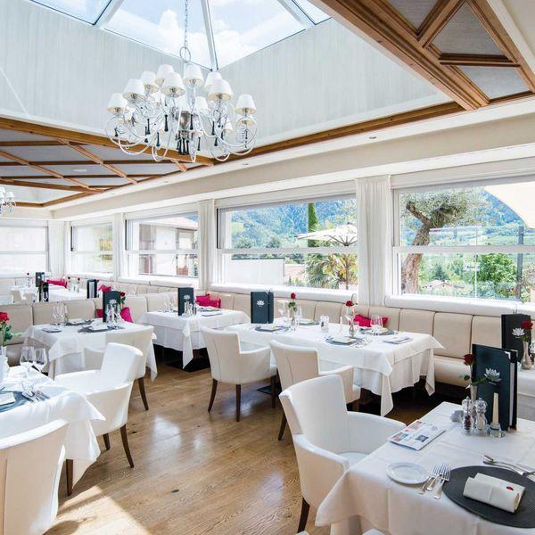 Gourmetrestaurant_preidlhof_Gourmetküche_haubenrestaurants_südtirol_nachhaltige_hotels_gourmethotel_Südtirol_Hotel_für_feinschmecker