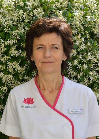Annemarie vom Beauty-Team