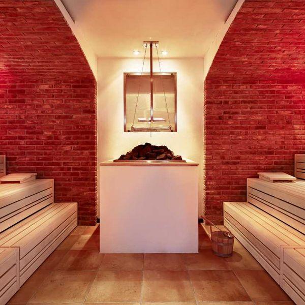 Weinsauna_Saunameister_Saunaufgüsse_Wellness_und_spa_in_südtirol_moderne_saunen_bestes_wellnesshotel_südtirol_spa_5_sterne_luxushotel_südtirol_hotel_für_feinschmecker_südtirol_meraner_land_hotel_mit_medical_spa_südtirol