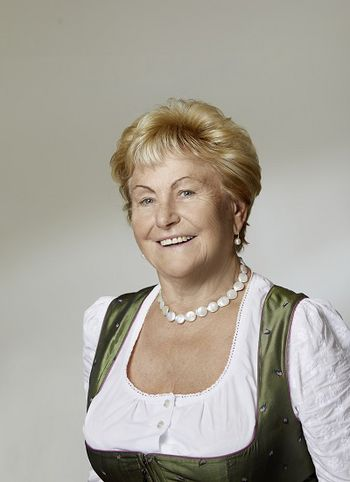 Frau Ladurner Senior