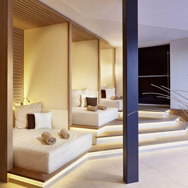 Lounge_Wellness_und_spa_in_südtirol_moderne_saunen_bestes_wellnesshotel_südtirol_spa_5_sterne_luxushotel_südtirol_hotel_für_feinschmecker_südtirol_meraner_land_hotel_mit_medical_spa_südtirol