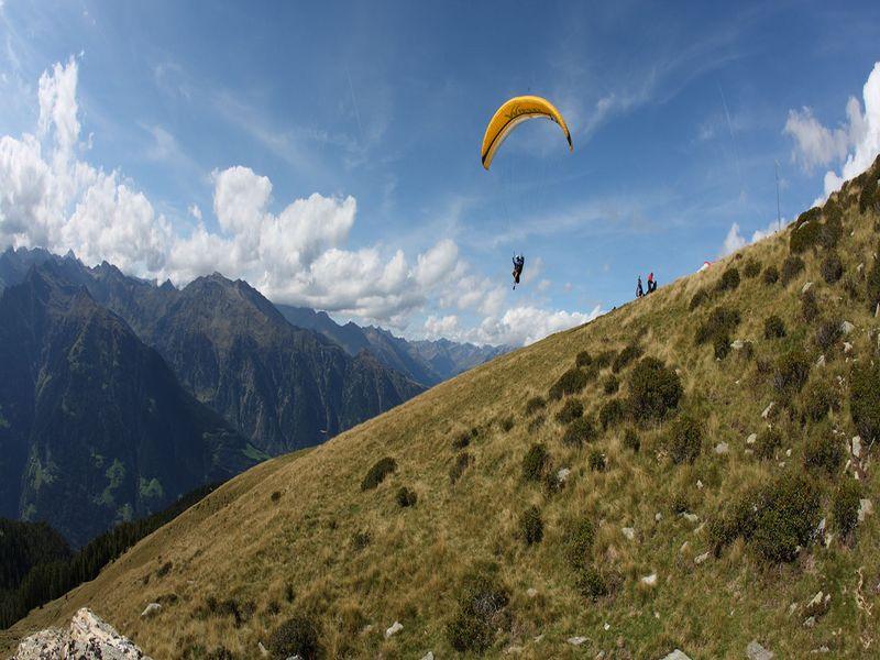 Paragleiter in Südtirol