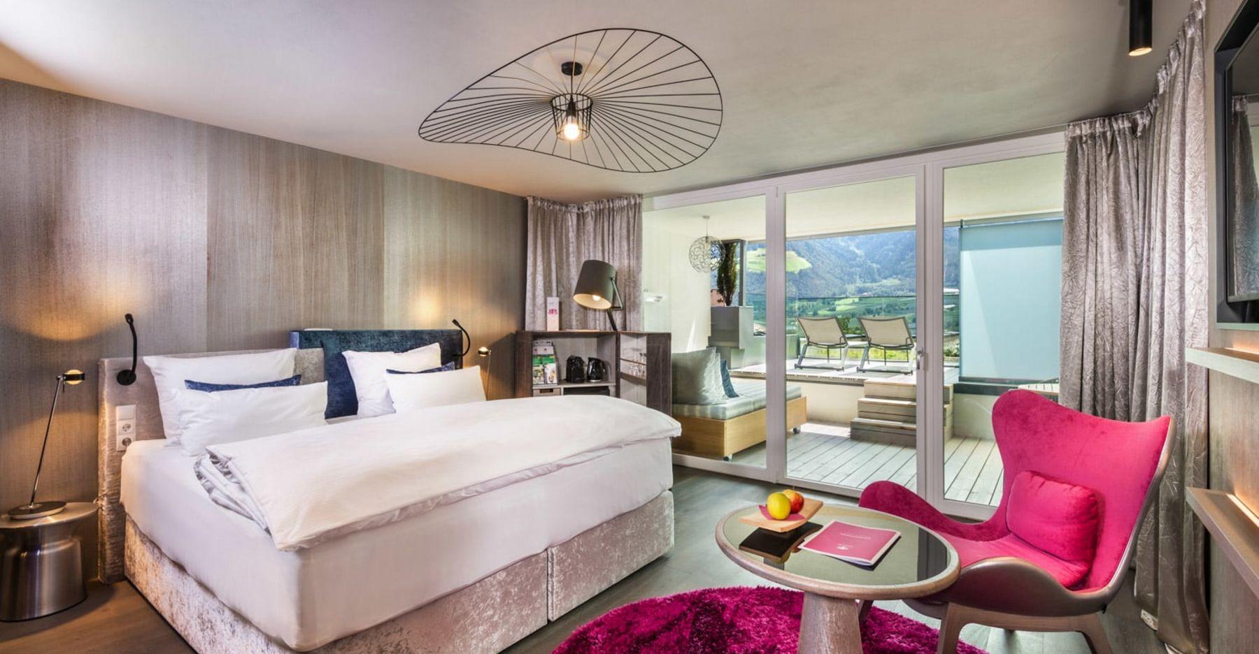 Comfort Room Romantic Fire