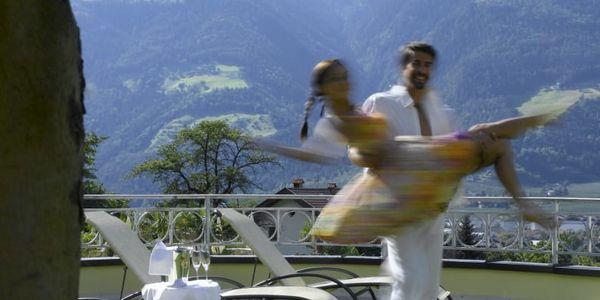 Tanzen Sie mit uns durch den Mai
